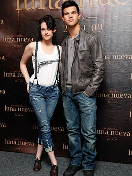 Kristen Stewart And Taylor Lautner. Kristen Stewart and Taylor